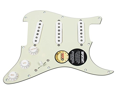 920D Custom Loaded Strat Pickguard w/ Fender Custom '69 Mint グリーン / ホワイト (海外取寄せ品)