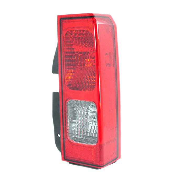 OE リプレイスメント Hummer H3 Passenger Side Taillight Assembly (Partslink ナンバー HU2801100) (海外取寄せ品)