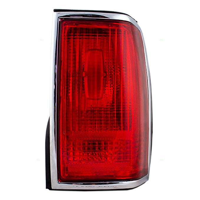 Passengers Taillight Tail ランプ with クローム トリム リプレイスメント for Lincoln F5VY13404A (海外取寄せ品)