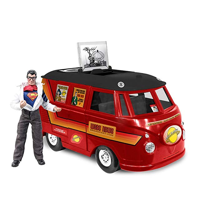DC コミック Bus プレイセット for 8 インチ レトロ Figures: スーパーマン Superman With Exclusive クラーク ケント Figure (海外取寄せ品)