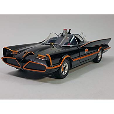 DC コミック クラシック TV Series Batmobile Die-キャスト Car, 1:18 Scale Vehicle& 3 バットマン Batman & ロビン Collectible Figurine (海外取寄せ品)