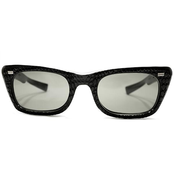 US西海岸RUDE STYLE 1960s アメリカ製 MADE IN USA アメリカンオプティカル AMERICAN OPTICAL AO 黒 ALL BLACK仕様 凹凸肉厚クロコ型押 ヴィンテージ 眼鏡 サングラス AO謹製オリジナルガラスレンズ入 A5182