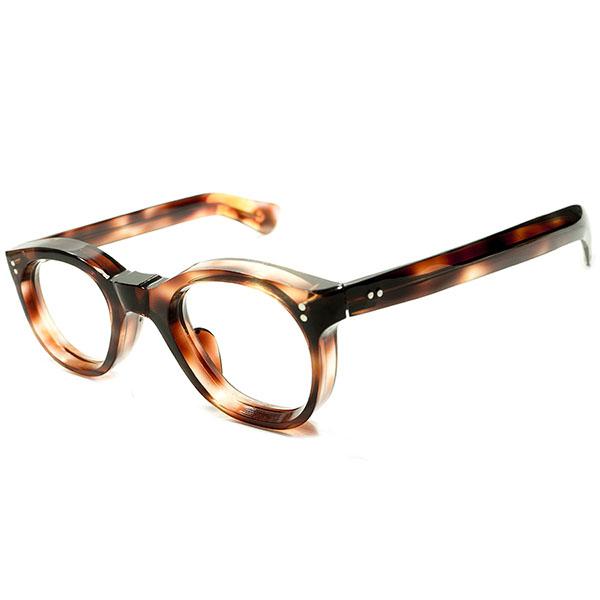 OLD FRENCH特有秀逸SIZEバランス&小顔向け 1950s デッドストック フランス製 8mm極厚フロント×SMALLアイ×極太LONGテンプル 鼈甲柄 パントフレーム ヴィンテージ メガネ 眼鏡 A4635
