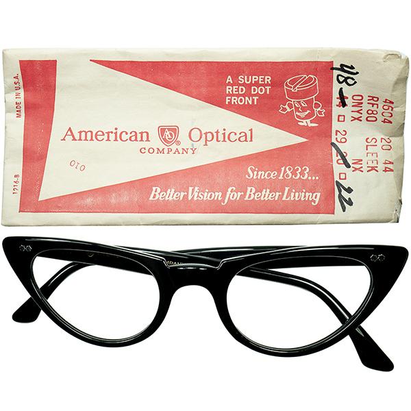 デイリー向け斬新シンプルモダン 1960s デッドストック USA製 AOアメリカンオプティカル AMERICAN OPTICAL Wスターヒンジ CATEYE キャットアイ黒 size48/22 ビンテージヴィンテージ 眼鏡メガネ a6663