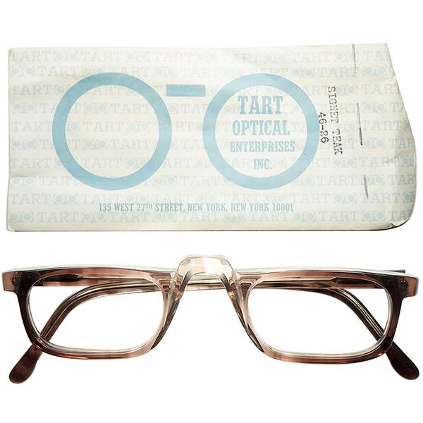 通好み玄人シェイプ 1960s-70s スリーブ付 デッドストックDEADSTOCK USA製 TART OPTICAL タートオプティカル 1/2 EYEハーフアイ 縦フェード鼈甲柄 ビンテージヴィンテージ 眼鏡メガネ a5732