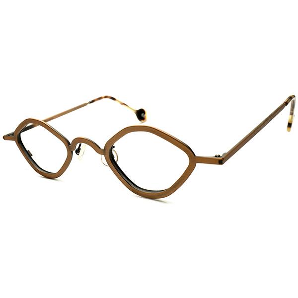 実用的快適サイズ&渋色CHIC褐色合金 デッドストック DEADSTOCK 1990s ITALY製 l.a.Eyeworks アイワークス 変形小径オクタゴン CLASSIC シルエット 実寸42/25 ビンテージヴィンテージ 眼鏡メガネ a6305