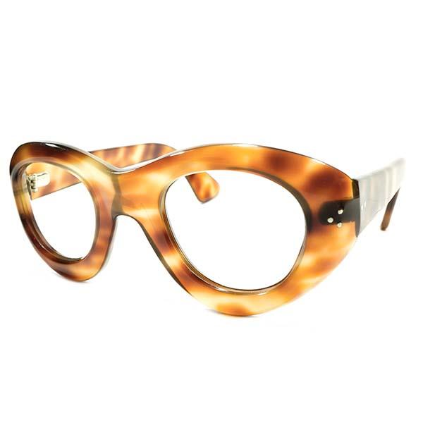 超GOOD SIZE&前衛的フォルム デッドストック 1940s-1950s HANDMADE フランス製 MADE IN FRANCE 芯なしテンプル CLASSIC AMBER 極太リム 3DOT パントフレーム ヴィンテージ メガネ 眼鏡 A3827