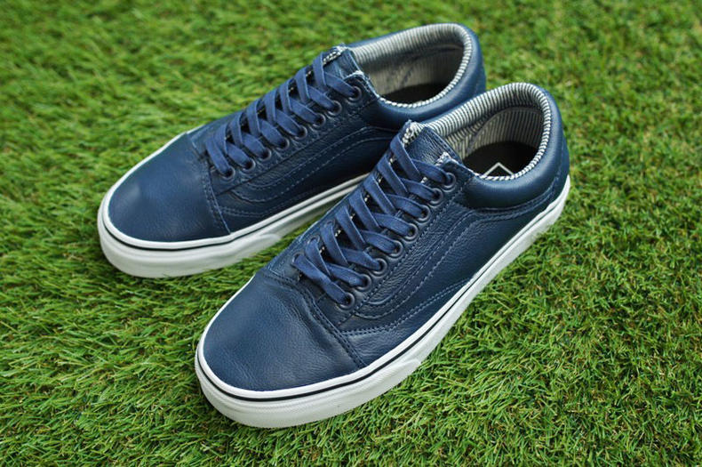 mens blue and white vans