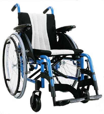 車椅子(車いす) 日進医療器製 iS【メーカー正規保証付き/条件付き送料無料】
