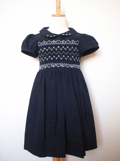 【Kidiwi】 スモッキング刺繍*半そでワンピース 《紺色》