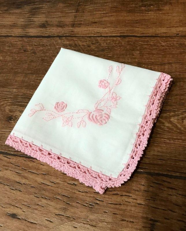 バラ レース手刺繍ハンカチ《ピンク 安い 大好評です 激安 プチプラ 高品質 クリーム》