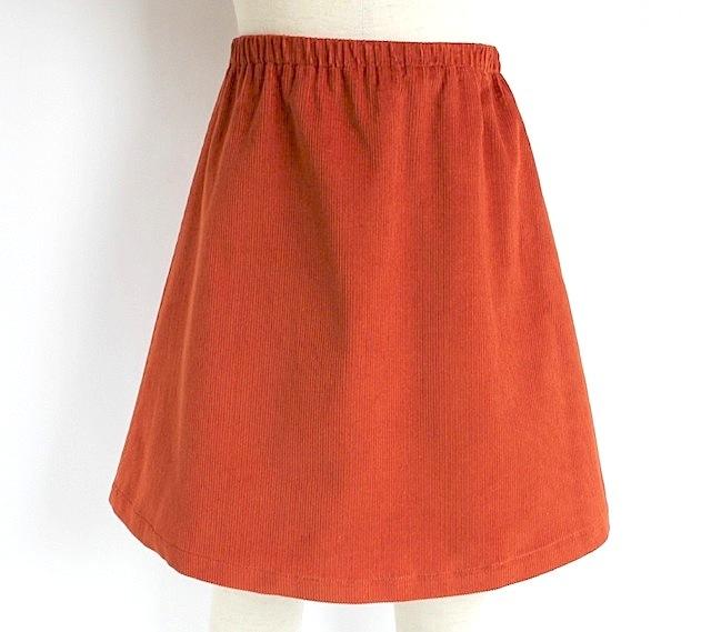 Quelle Tre クエッレ・トレコーデュロイ ウェストゴムスカート《オレンジ 115cm、125cm》