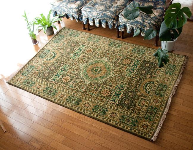 手織りのインド絨毯【約185cm x 約128cm】 / ラグ マット 手織り絨毯 送料無料 レビューでタイカレープレゼント あす楽