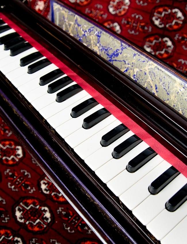 Mobile harmonium / Harmonium piano India musical instrument keyboard  instrument race musical instrument India musical instrument ethnic musical