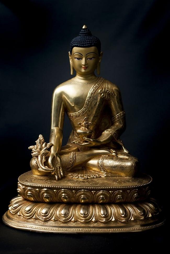 薬師如来(バイシャジヤ・グル) 銅造鍍金仕上げ 28.5cm / メディシン・ブッダ 神像 仏像 送料無料 レビューでタイカレープレゼント あす楽