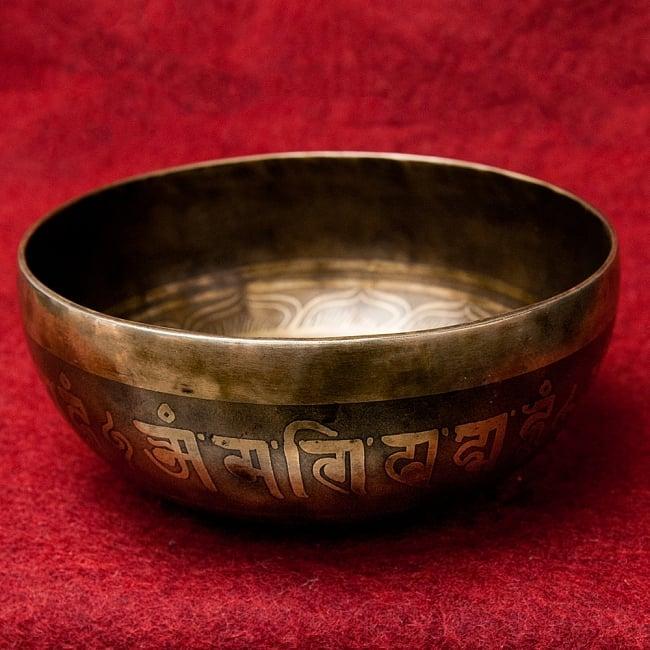 【一点物】チベタンアンティックシンギングボウル【音階 D#】951g(スティック付属) / アンティーク ネパール 楽器 送料無料 レビューでタイカレープレゼント あす楽