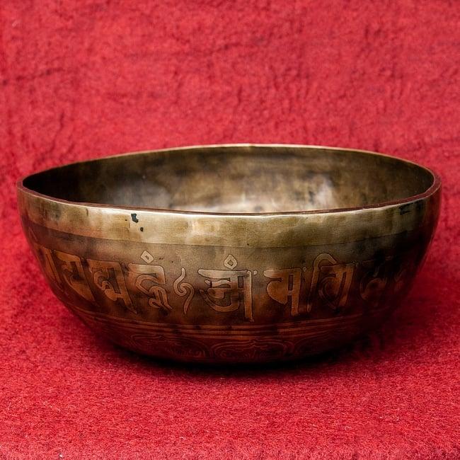 【一点物】チベタンアンティックシンギングボウル【音階 A#】1885g(スティック付属) / アンティーク ネパール 楽器 送料無料 レビューでタイカレープレゼント あす楽