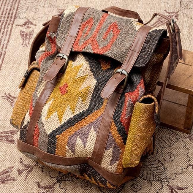 〔一点物〕伝統を紡いだインドキリムのバッグパック / ダリー ジュート 送料無料 レビューでタイカレープレゼント あす楽