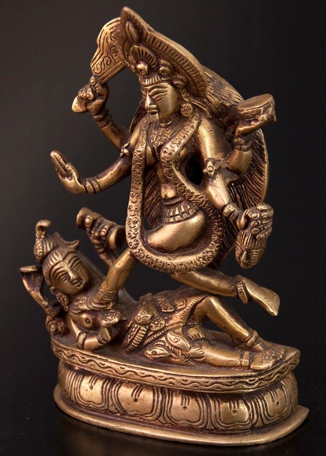 【送料無料】 シヴァ神の腹の上で踊るカーリー 19cm / シヴァ像 神様像 インド 置物 エスニック アジア 雑貨