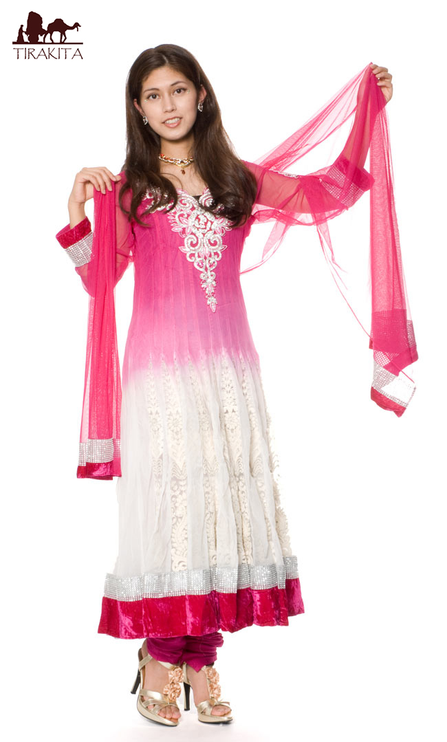 【送料無料】 【1点物】インドのゴージャスパンジャービードレス 白×ピンク / パンジャビドレス サルワール・カミーズ サリー レディース 女性物 エスニック衣料 アジアンファッション エスニックファッション