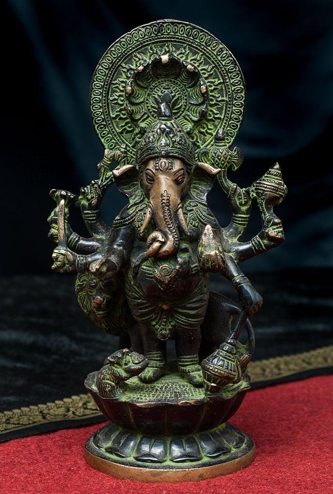 獅子を従えるガネーシャ 29cm / ブラス 神様像 ガナパティ 置物 送料無料 レビューでタイカレープレゼント あす楽