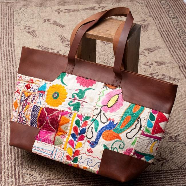 〔一点物〕伝統を紡いだ カッチ刺繍のトラベルバッグ / グジャラート ミラー刺繍 送料無料 レビューでタイカレープレゼント あす楽