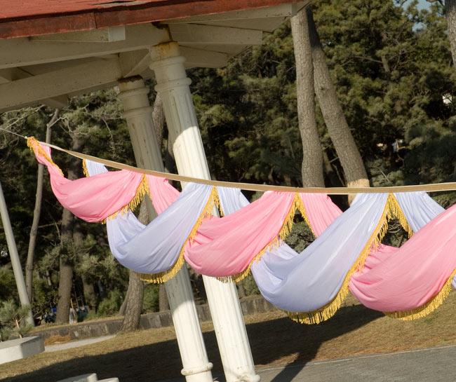 5m 結婚式・イベント用デコレーション布 ピンクと白 / ゴージャス ファブリック 送料無料 レビューでタイカレープレゼント あす楽