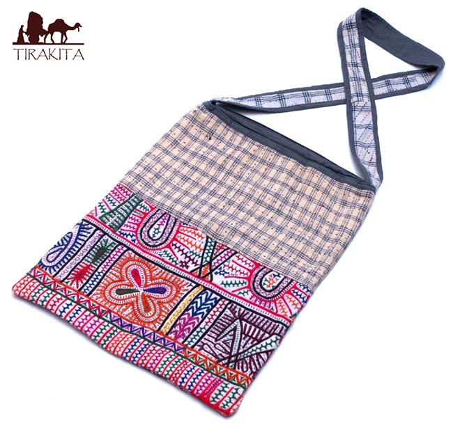 【送料無料】 カッチ刺繍のショルダーバッグ / インド かばん ポーチ エスニック アジア