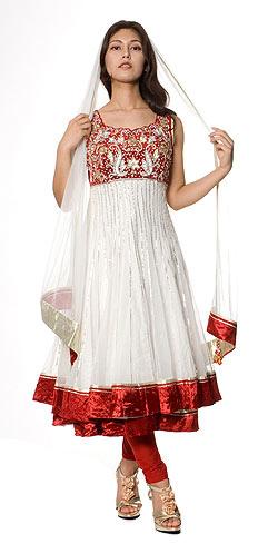 【送料無料】 【1点物】インドのゴージャスパンジャービードレス 白×赤 / パンジャビドレス サルワール・カミーズ サリー レディース 女性物 エスニック衣料 アジアンファッション エスニックファッション