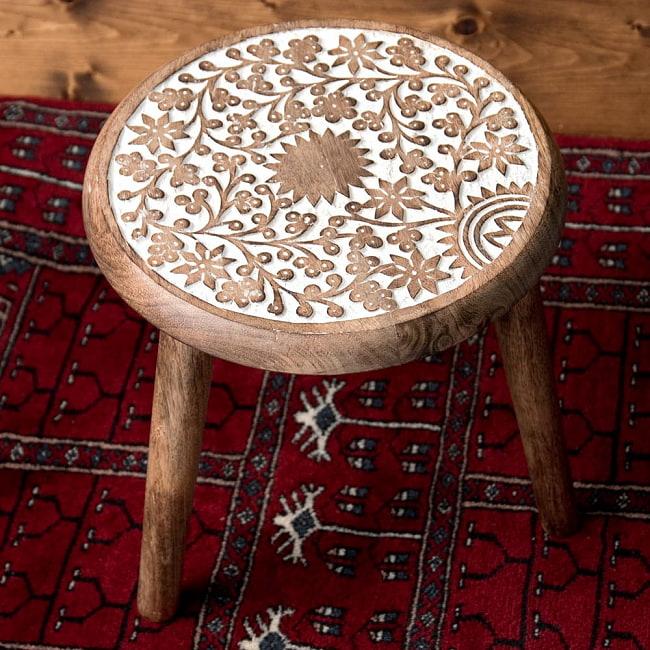 子供用椅子 木製 おしゃれ インテリア雑貨 デザイン家具 マーケティング 天然木 鉢置き スタンド 美しい彫刻が施された エスニック ハンドメイド マンゴーウッドのマンダラ インテリア 可愛いスツール アジアン家具 椅子 スツール ナチュラル メイルオーダー