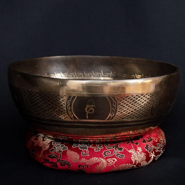 【送料無料】 【一点物】チベタンアンティックシンギングボウル【音階 F】 1094g(スティック付属) / Singingbowl シンギングボール 浄化 おりん アンティーク ネパール 楽器 仏教 瞑想 民族楽器 インド楽器 エスニック楽器 ヒーリング楽器