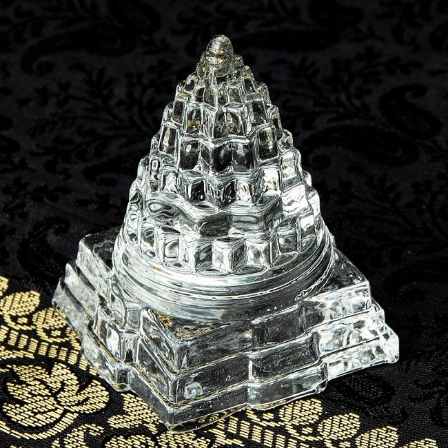 ガラス製にもかかわらず とても細かく細工も魅力 文鎮として使えます インドの神様 ガラス製ペーパーウェイト カチュワ ヤントラ 高さ5.7cm / 文鎮 風水 神様像 ヒンドゥー教 インド神様 置物 エスニック アジア 雑貨