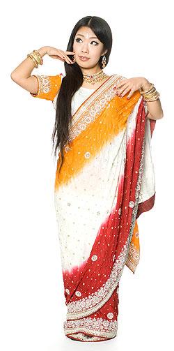 【送料無料】 【1点物】婚礼用ゴージャスサリー3点セット【ホワイト×赤】 / インド インドサリー レディース エスニック衣料 アジアンファッション エスニックファッション