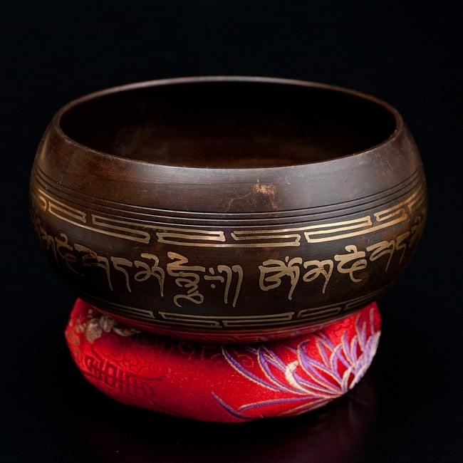【一点物】チベタンシンギングボウル【音階 A#】 650g(スティック付属) / シンギングボール ネパール 楽器 送料無料 レビューでタイカレープレゼント あす楽