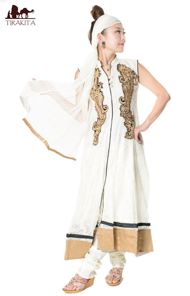 【送料無料】 サフェードのパンジャビドレス 3点セット 白×黒 / インド パンジャービードレス サルワール・カミーズ パンジャビスーツ サリー レディース 女性物 エスニック衣料 アジアンファッション エスニックファッション