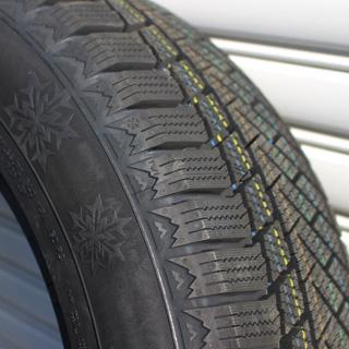 コンチネンタル スタッドレスタイヤ Viking Contact 6 SUV バイキングコンタクト6 SUV スタッドレス 235/60R18 HotStuff Stich LEGZAS FORBES シュティッヒ レグザス フォーブス ホイールセット 4本 18インチ 18 X 8 +42 5穴 114.3