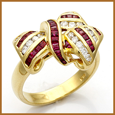 【送料無料】【中古】●K18 ダイヤモンドリング 指輪 D0.24 ルビー リボン風 18金 おしゃれ レディース 女性 かわいい 可愛い オシャレ 価格見直し3005