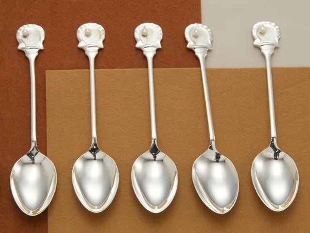 【送料無料】【中古】◎ SV925 銀製 スプーン 5本セット 貝 パール 真珠 ティースプーン アフターヌーンティー 茶会 シルバー SILVER