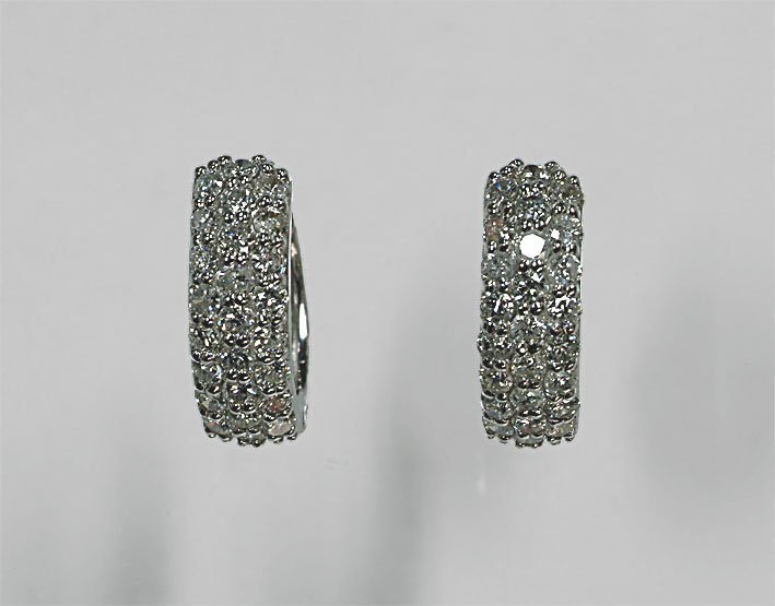 K18WG ダイヤモンド 輪ピアス (1ct パヴェ)存在感抜群!【ホワイトゴールド】【リングピアス】【ピアス】【K18】【フープピアス】