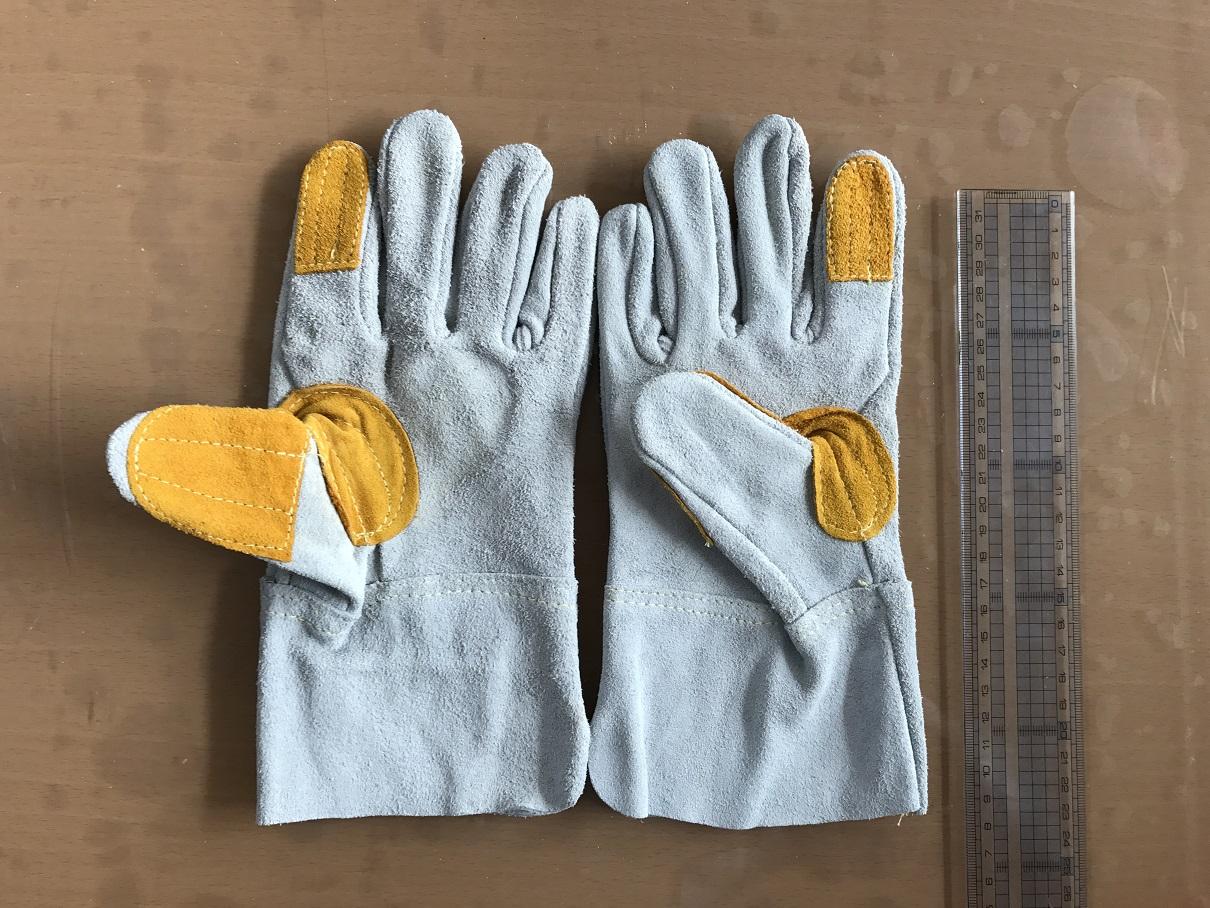 溶接業、鉄鋼建設作業用革手 5本指牛革手袋 長さL:24cm 3個所あて付き! 100束 在庫処理
