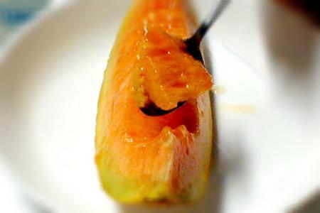 作为作为有北海道生产夕张哈密瓜8kg6个的(/1个1.3kg)○赠答推荐的水果的散发香味,高高温和,浓的独特的果汁♪诱惑的名牌哈密瓜的02P13jul10