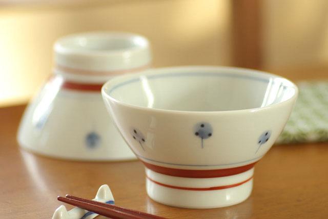ほんわかとかわいらしい たんぽぽ の絵付け 愛用するたびにほのぼのと心安らぎます たんぽぽの茶碗 砥部焼 送料無料 梅山窯 小 絶品