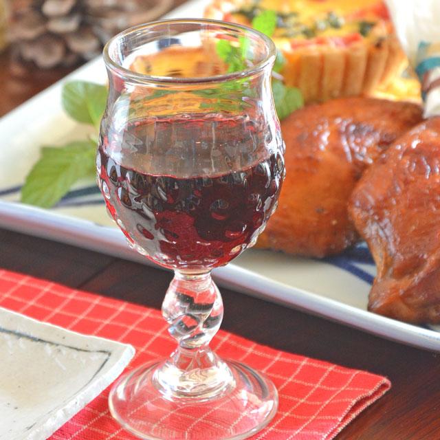 ひとつひとつ手づくりされた吹きガラスのとてもお洒落なワイングラス ワインを注ぐと美しい細工が よりいっそうきれいに 人気ブランド 村上恭一 ブランド品 あられワイングラス 吹きガラス