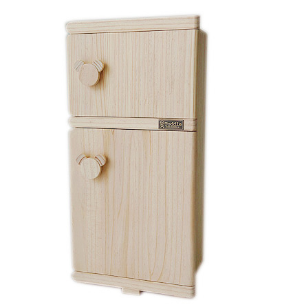トッドルの木製おままごとキッチンと調和するデザインです トッドルの木製おままごと冷蔵庫、キッチンと一緒にいかがですか。翌日発送