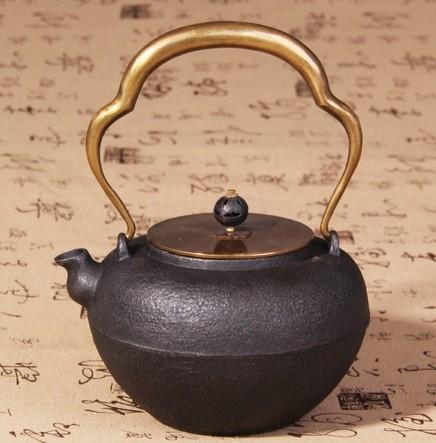 鉄瓶 鉄壺 茶用壺 1.3L 底直径約9cm 19x23cmサイズ 中国製
