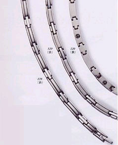 【メーカー直送品】MARE純チタン製9石ゲルマニウム高級ネックレス プラチナメッキ45.5cm MARE129