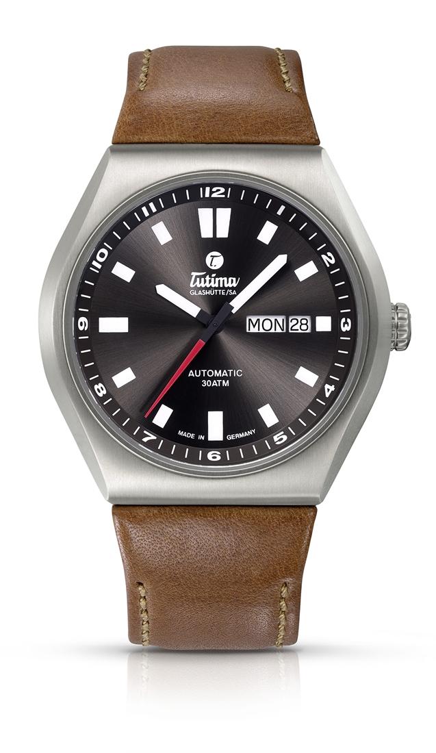 正規品 Tutima チュチマ 6150-03 M2 コーストライン 腕時計