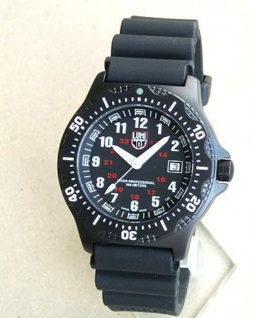 LUMINOX ルミノックス8401 ネイビーシールズNAVY SEALS ウレタンベルト ラバー ベルト T25表記あり ダイバーズ20気圧防水ミリタリー メンズ 腕時計 時計 誕生日プレゼント 男性 バレンタイン ギフト