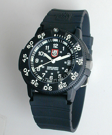【送料無料】LUMINOX ルミノックス 3001海外モデルOriginal Navy SEALs ネイビーシールズ ブラック 黒 ラバーベルト ウレタンバンド見やすい文字板 T25表記 ミリタリー メンズ 腕時計時計 誕生日プレゼント 男性 ギフト