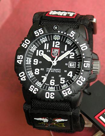 【送料無料】LUMINOX ルミノックス No.3951EVO Navy SEALs ネイビーシールズ No.3951 ベルクロベルト 軽い T25表記あり ミリタリーメンズ 腕時計 時計 誕生日プレゼント 卒業祝い 入学祝い 男性 ギフト